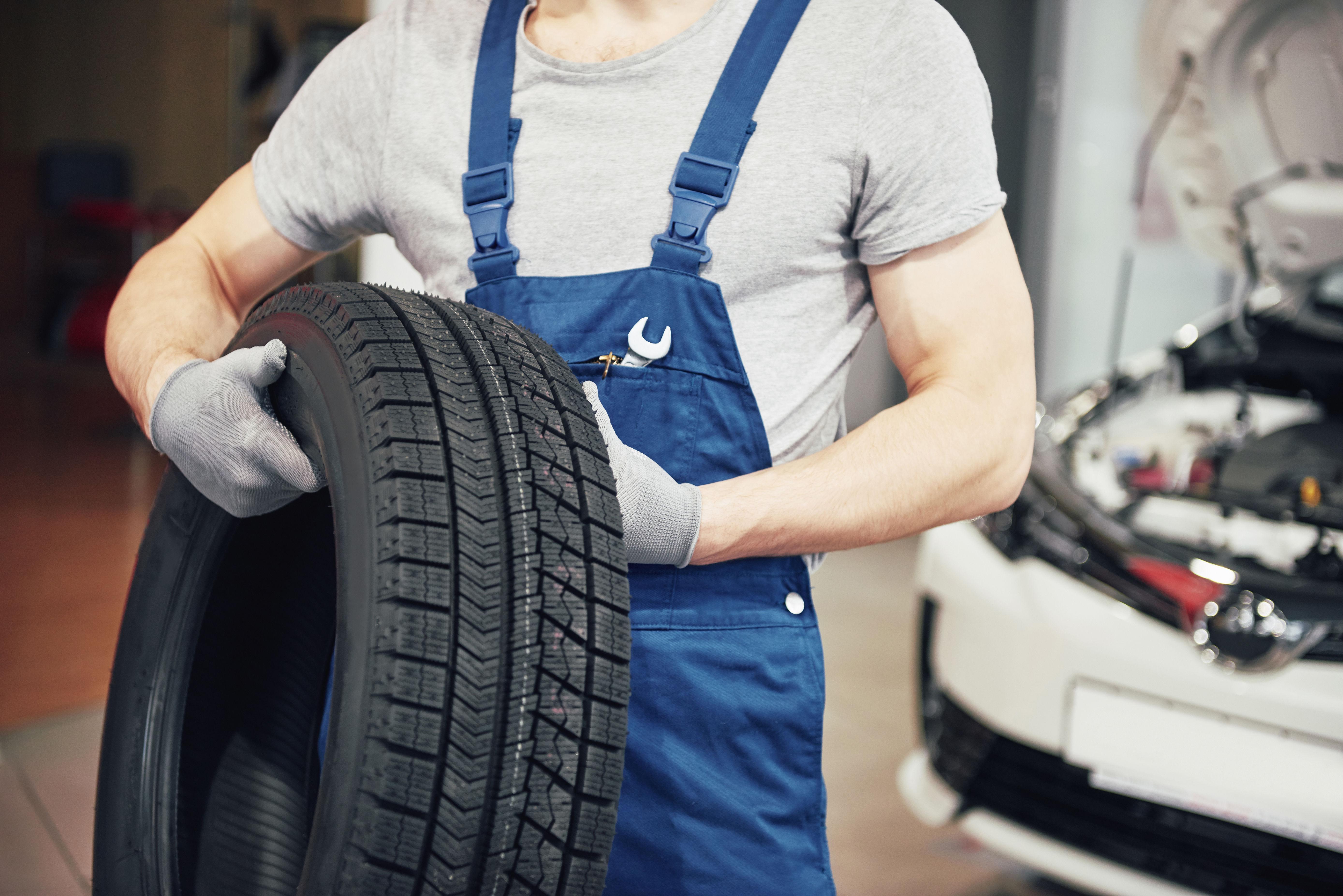 Garcias Tire Shop >> Carlos Garcia Tire Shop Diy Auto Shop 420 E Houston