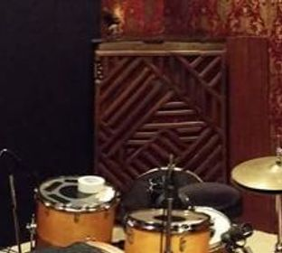 Another multifunctional room but with a specially designed floor that drummers are very fond of!