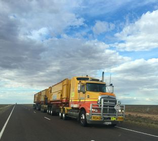 Trucks, Truck Repair, Diesel Trucks, Truck Parts, Lubecore Dealer, equipment, off road construction, generator, construction equipment, engine, brakes, transmission, suspensions, rear ends, total restoration, distributor,