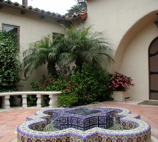 Mediteranean entry fountain